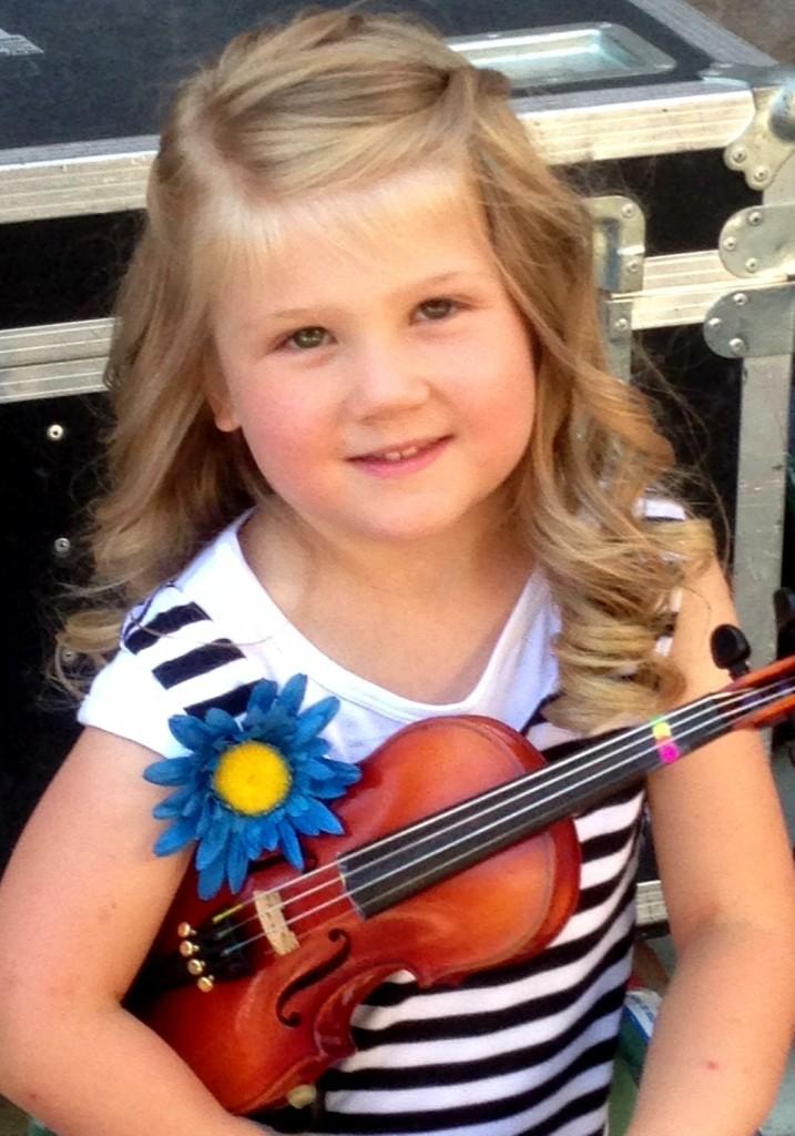 Makena playing violin at the Arts Festival!