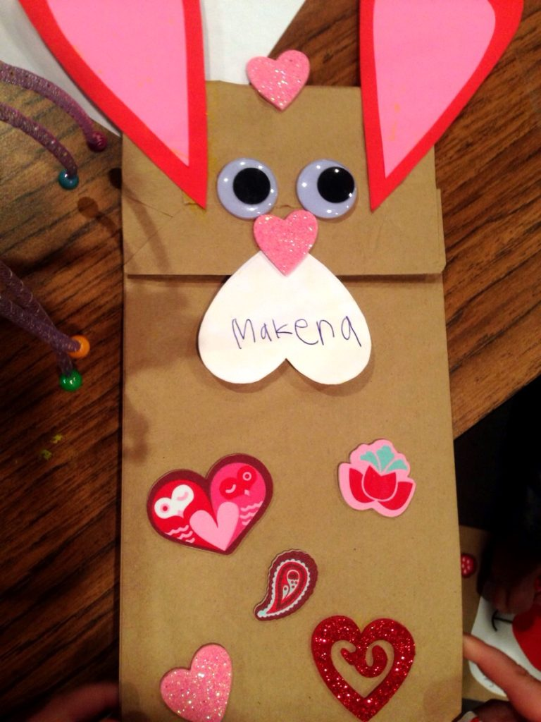 Arts & crafts with kids! www.mytributejournal.com