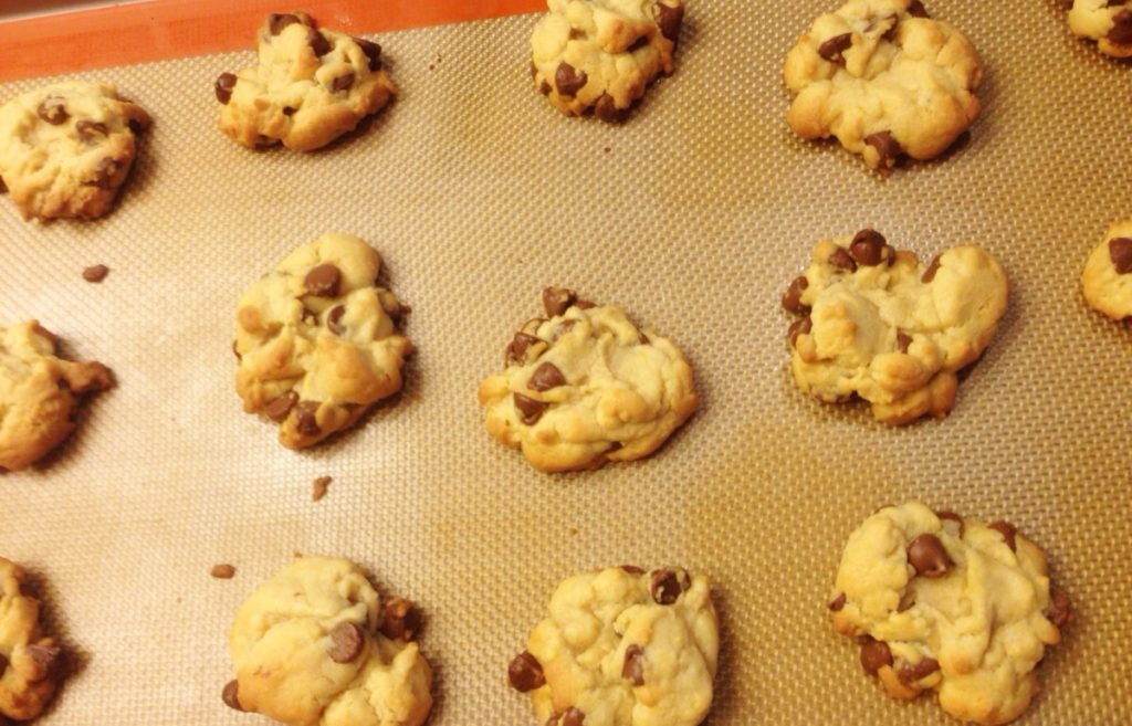 Best Chocolate Chip Cookies www.mytributejournal.com