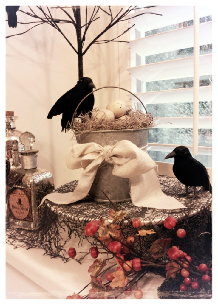 Inexpensive Halloween Decorations www.mytributejournal.com