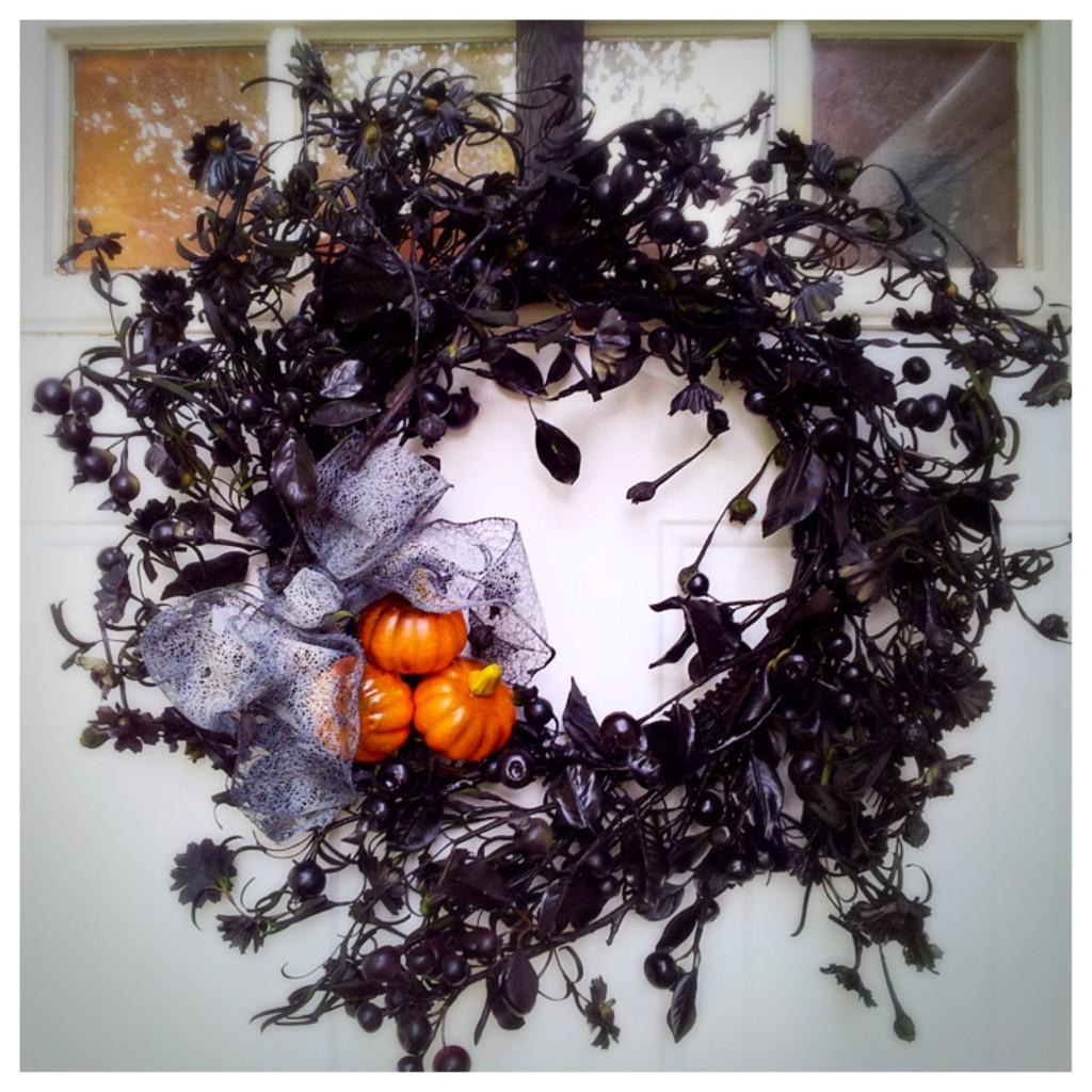 Revamped Halloween Wreath www.mytributejournal.com